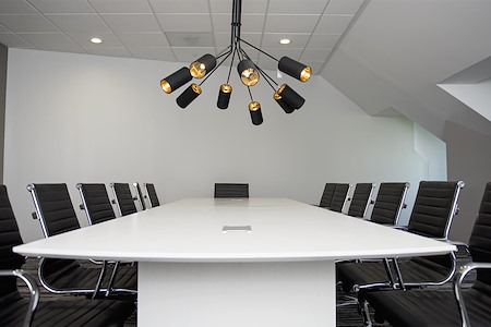 Highland-March Workspaces at Marina Bay - The Boardroom