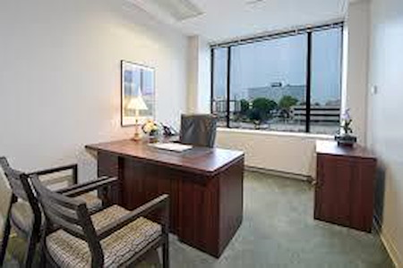 Dunker - Private Bala Window Office