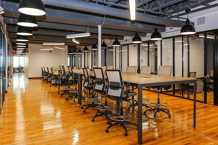 Venture X | Downtown Orlando - Shared Desk