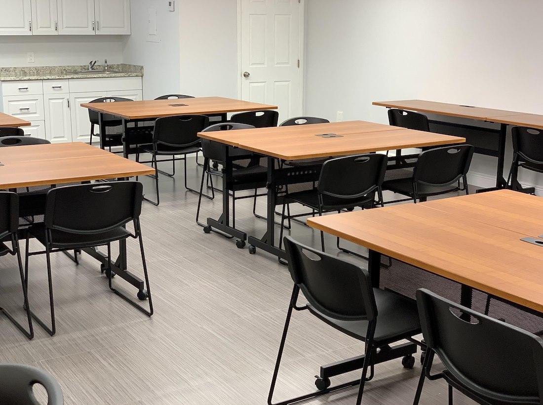 Open Desk - 16 Available at OfficeQ Miami | LiquidSpace