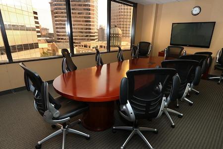 Pacific Workplaces - Oakland - Tribune Boardroom