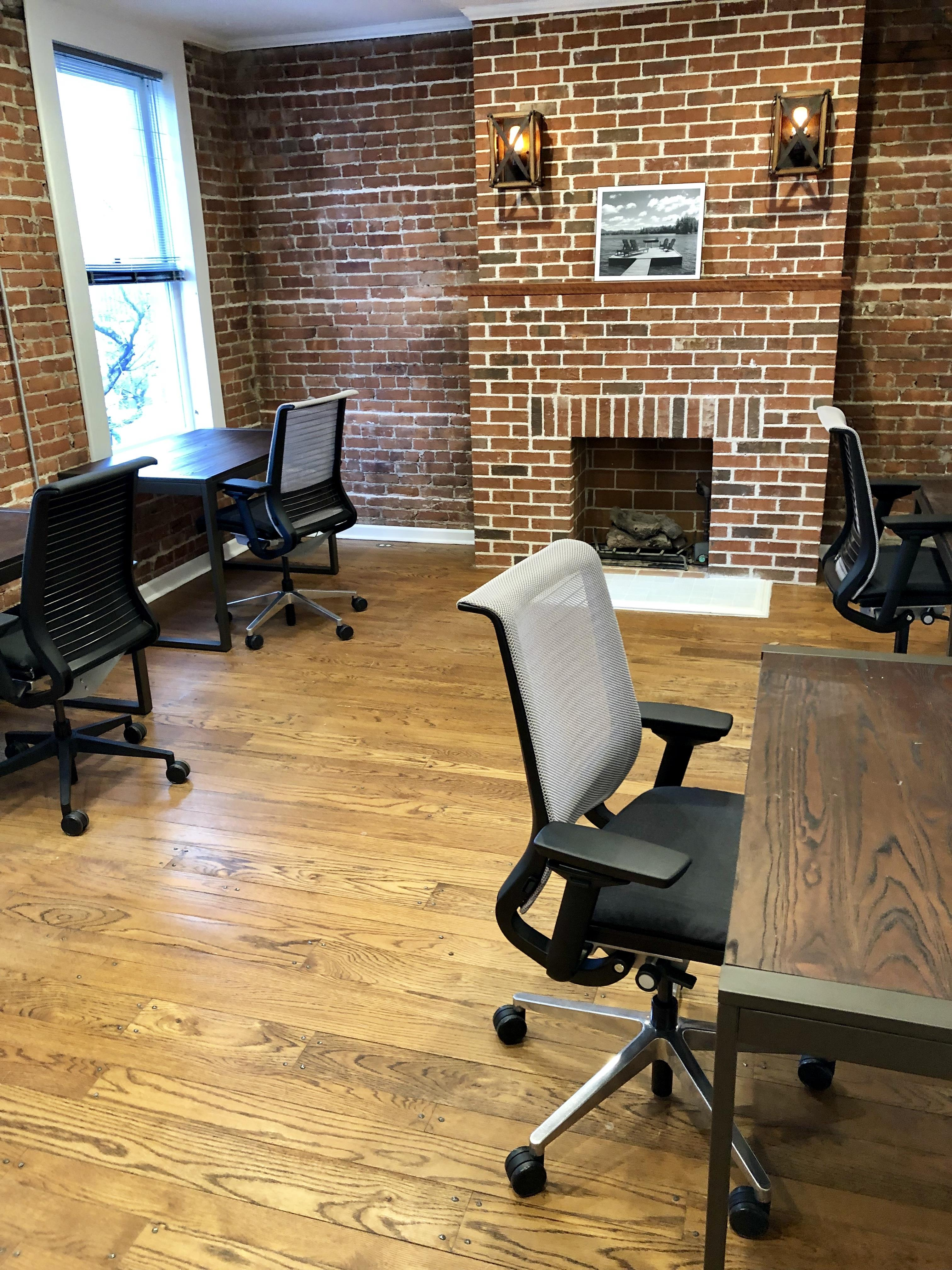 En Masse Coworking - Sequoia Office