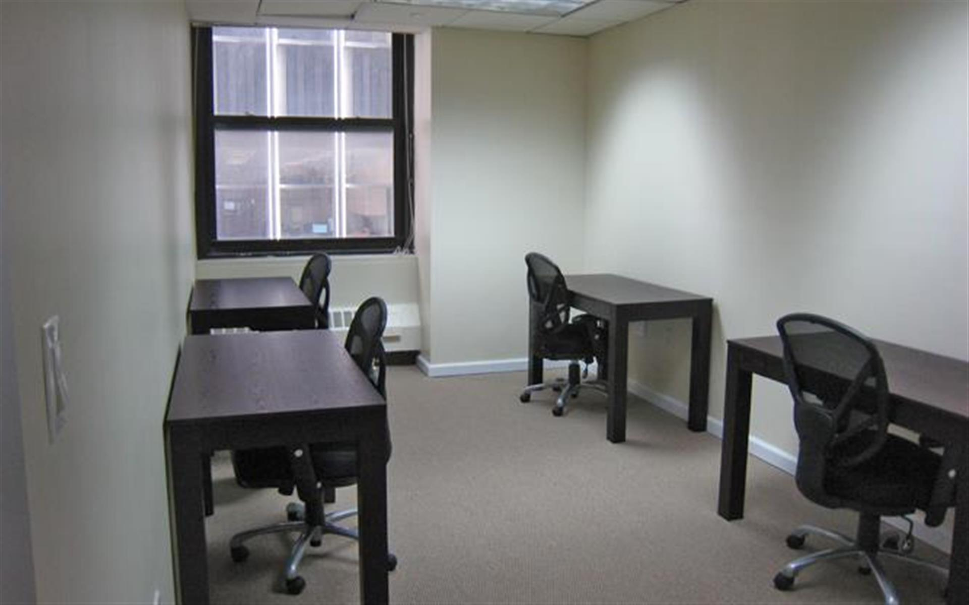 Jay Suites Financial District - Windowed Day Office