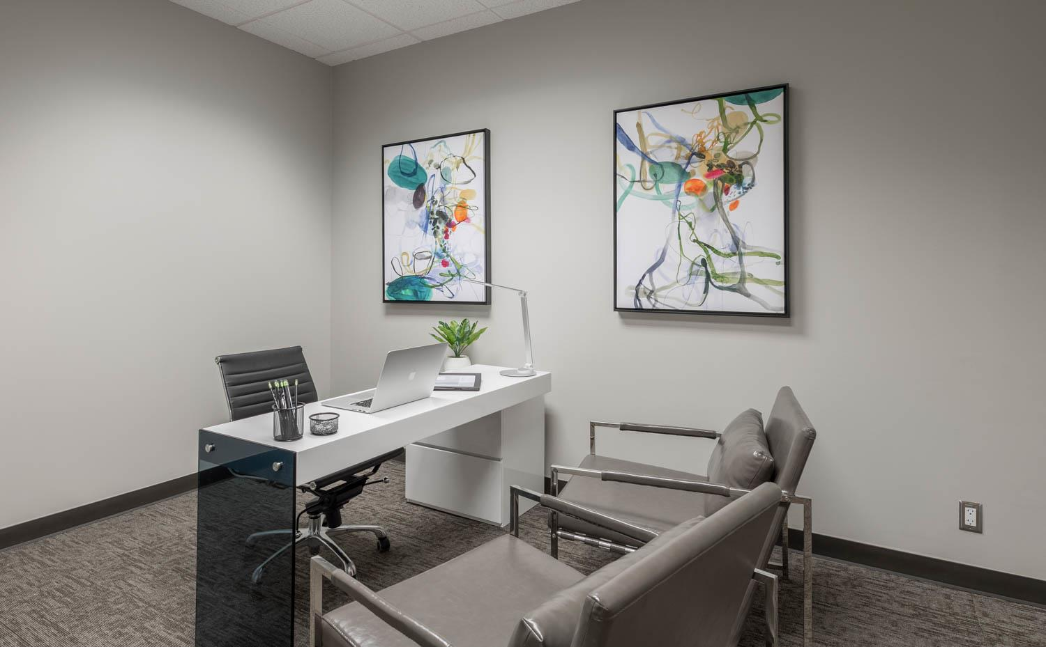 WORKSUITES   North Houston - INTERIOR OFFICE   1 PERSON
