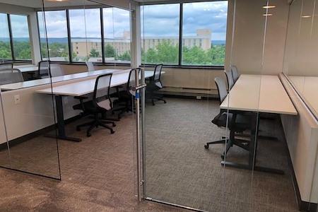 PrimeWork - Suite 417 - Dedicated Desk