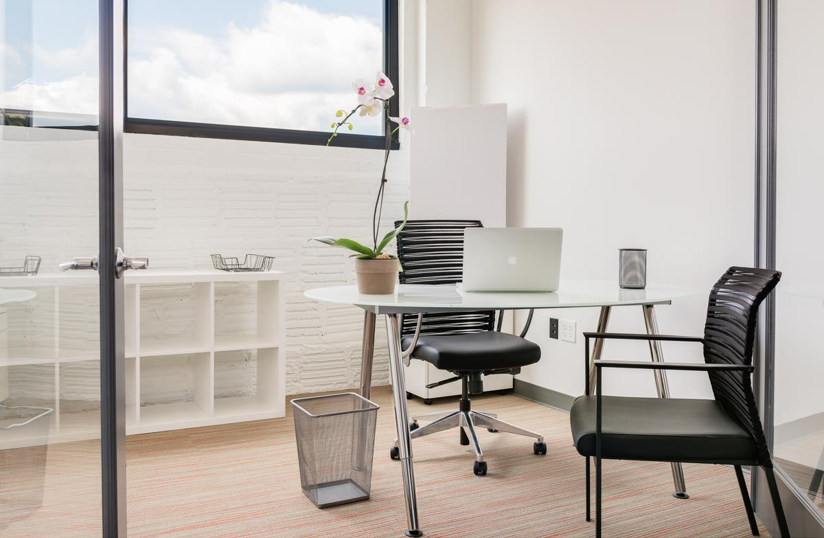 COMRADITY Strategy & Creative Resource Center - Private Office for up to 2