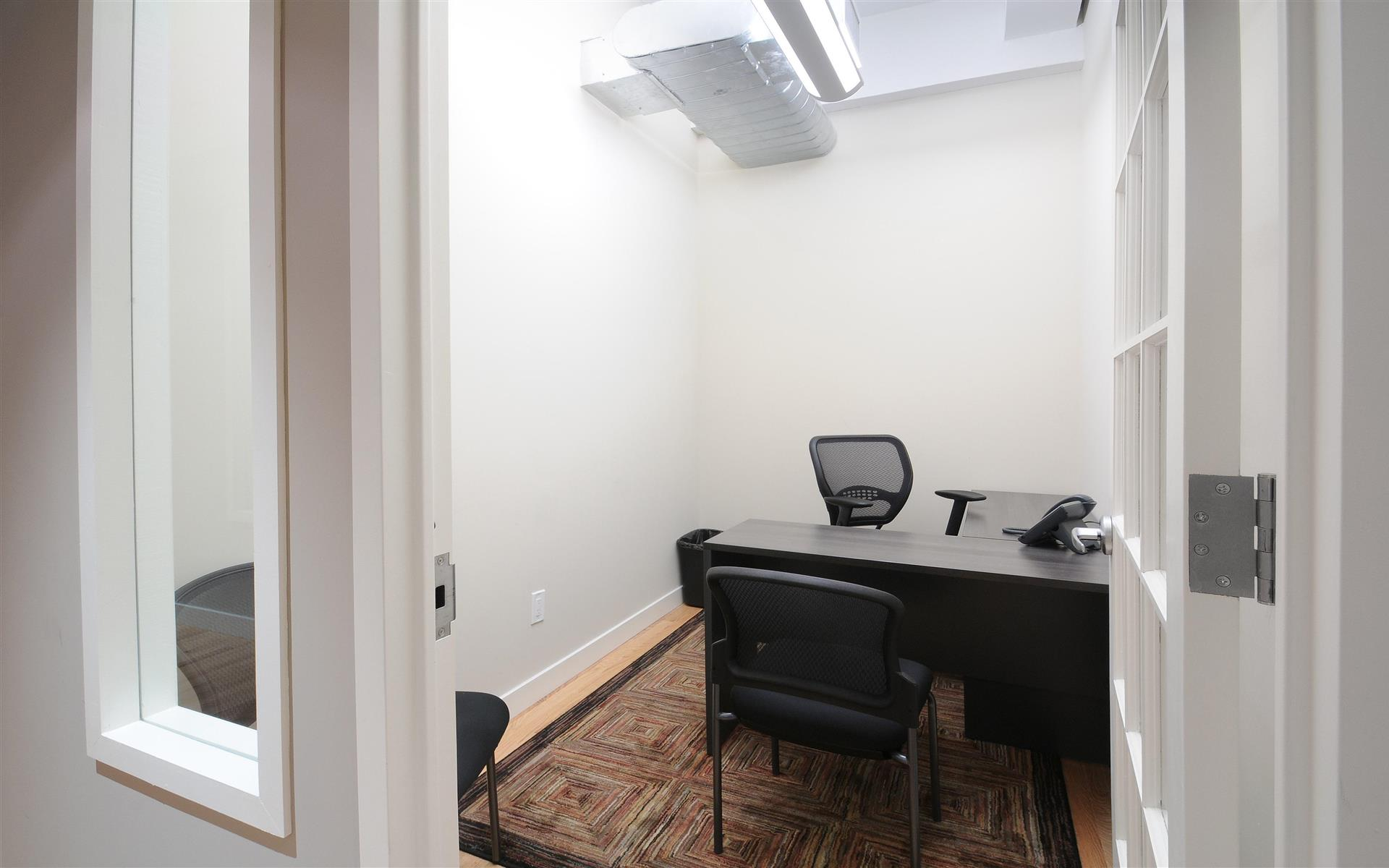 Select Office Suites - 1115 Broadway Flatiron NYC - Private Office for 1-2 people