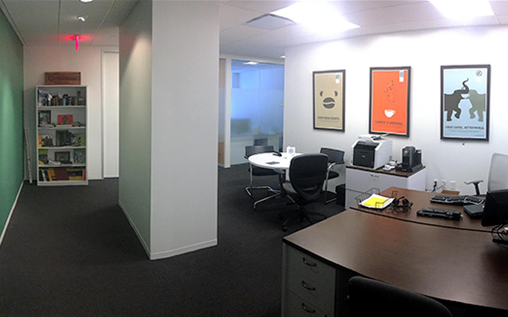 AdvantEdge Workspaces - Downtown Center - Suite 416 - Suite w/ 6 offices & bullpen