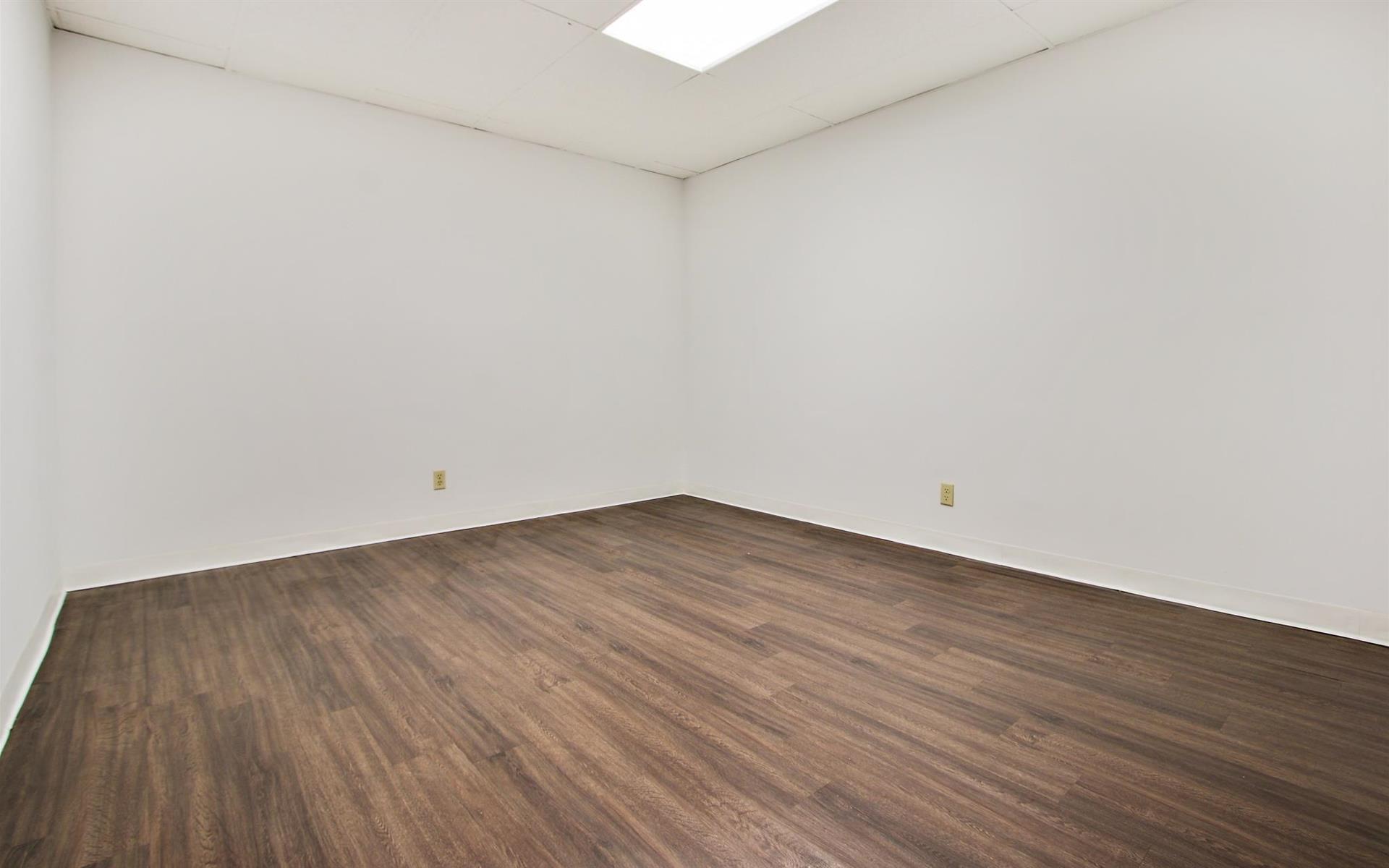 16200 Ventura Blvd. - Private Office 318