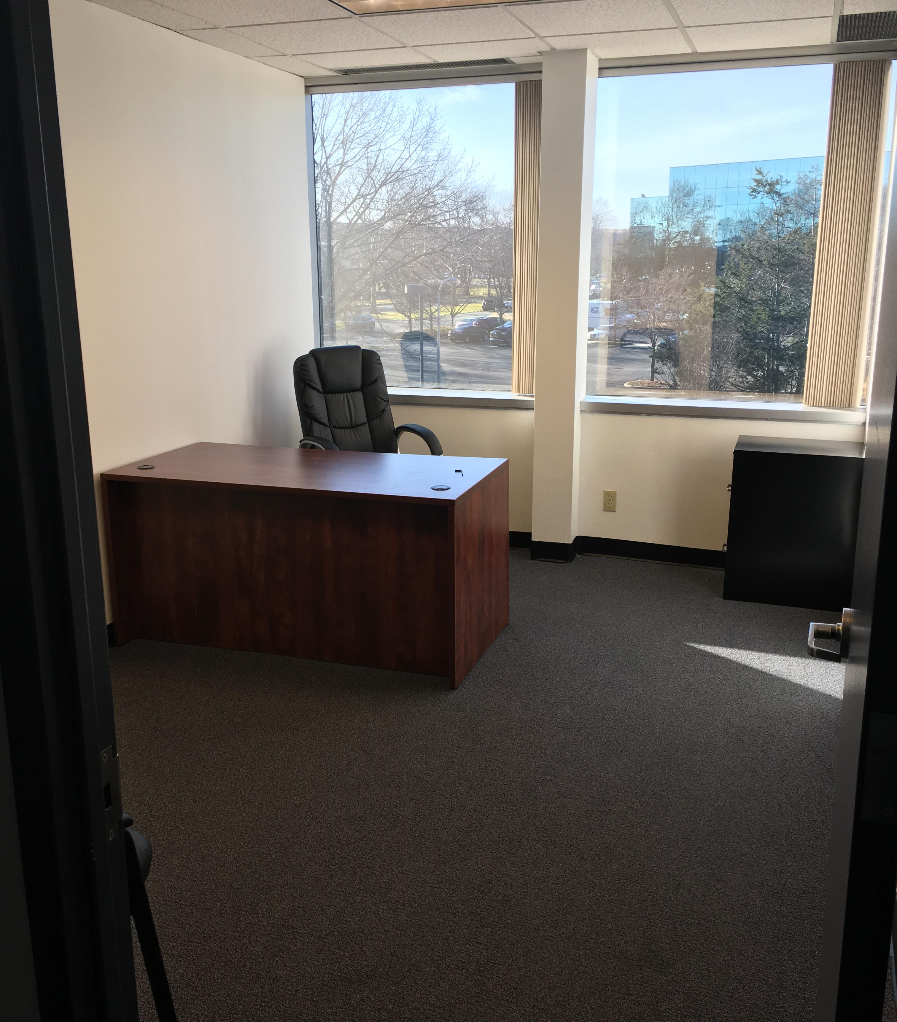 Melville Shared Office Suite - Suite 221