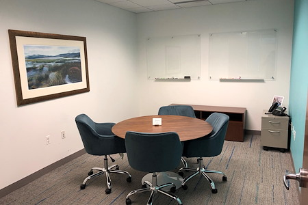 Metro Offices - One Metro Center - The Huddle Room