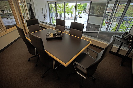 Intelligent Office - Columbus - Small Conference Room