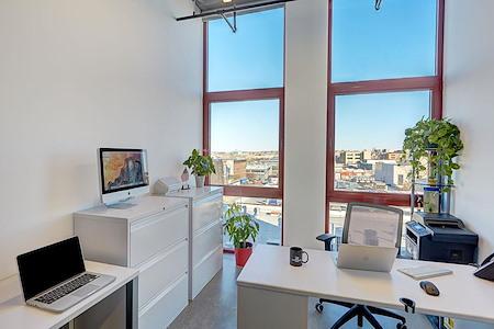 100 Bogart - 4 person Office