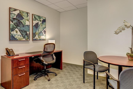 Carr Workplaces - Rosslyn - Kennedy Day Office