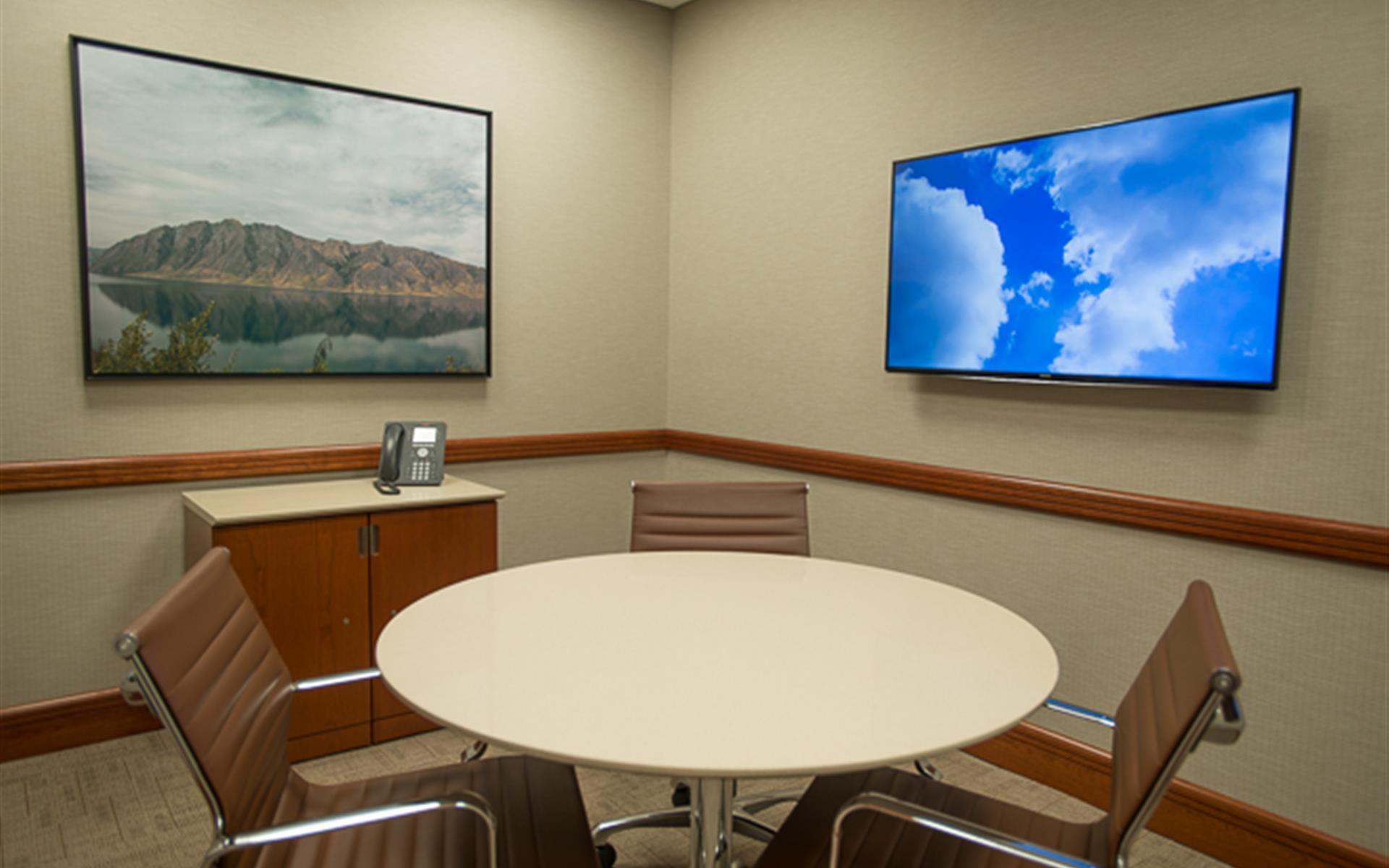 Symphony Workplaces -Westport CT - Focus Meeting Room