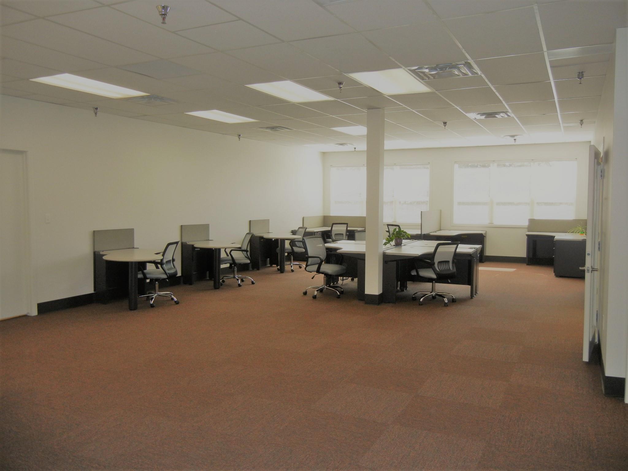 Flatirons Office - Large Desk