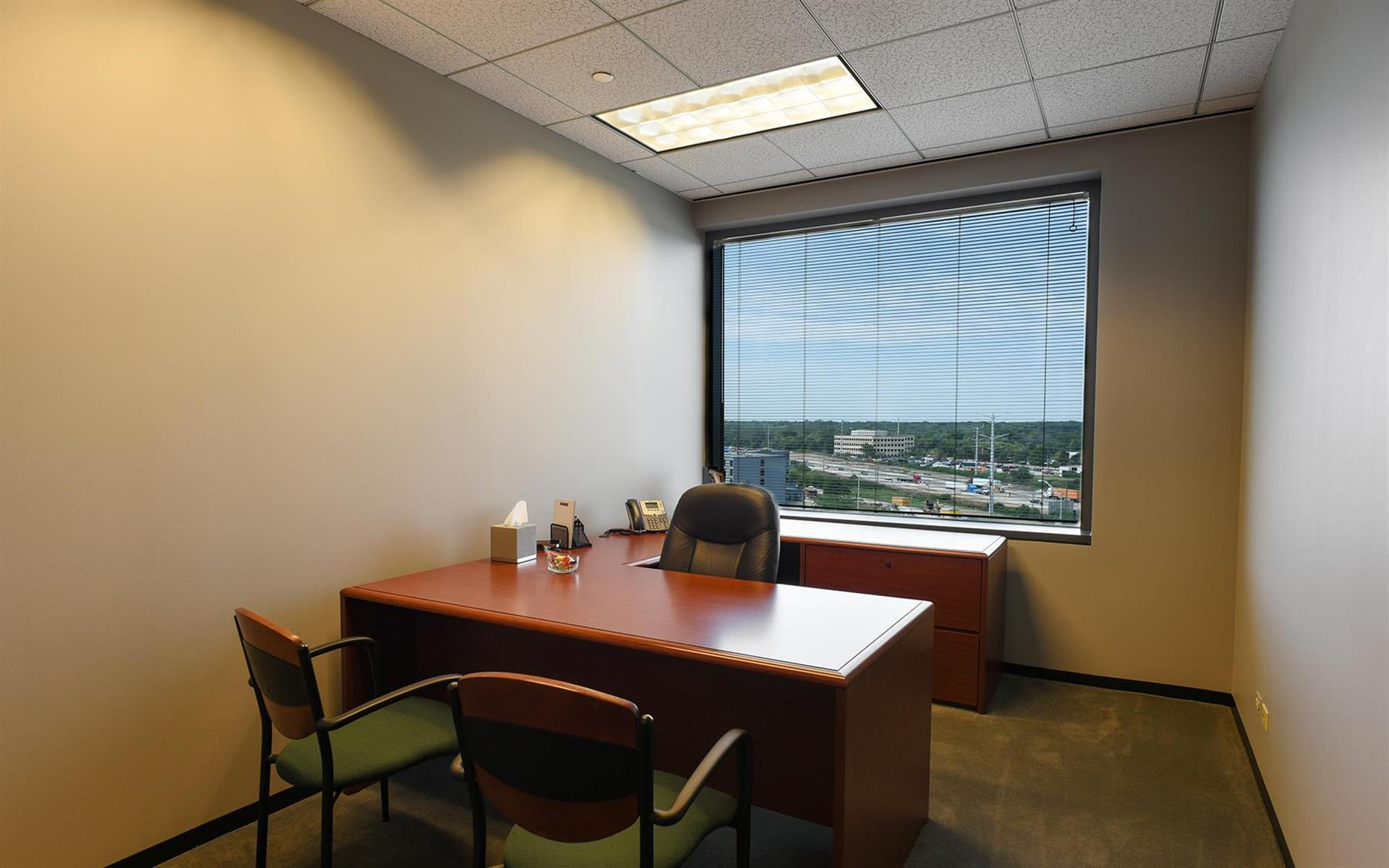 (SCH) Chatham Centre - Day Office Suite 839