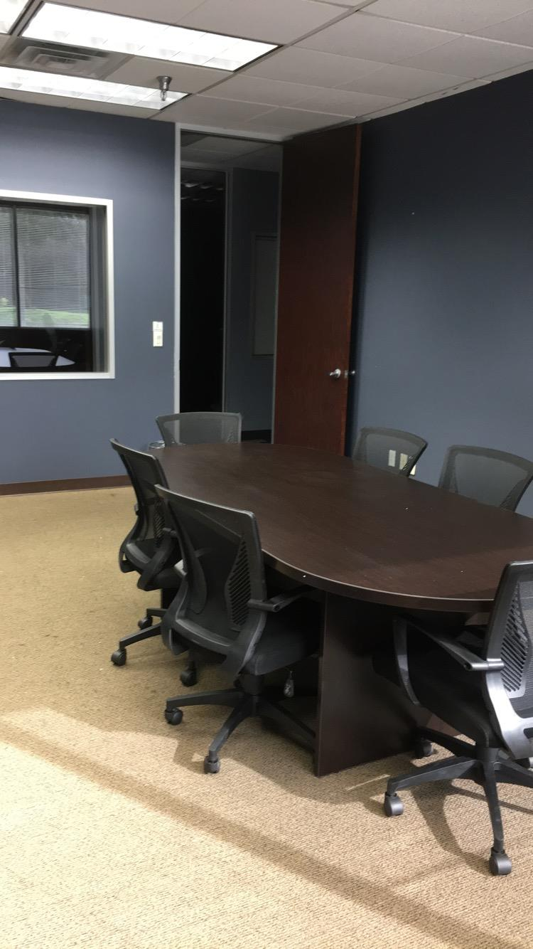 NewTechWood Office Center - Conference 111