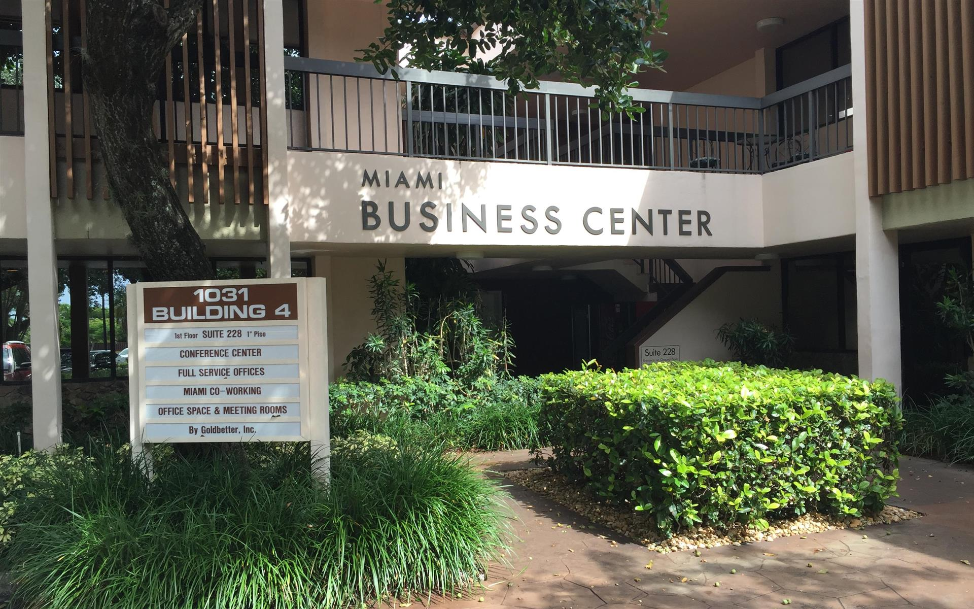 Goldbetter Miami Office Business & Conference Center - Private Office Space- Tri-County Spot (Copy)