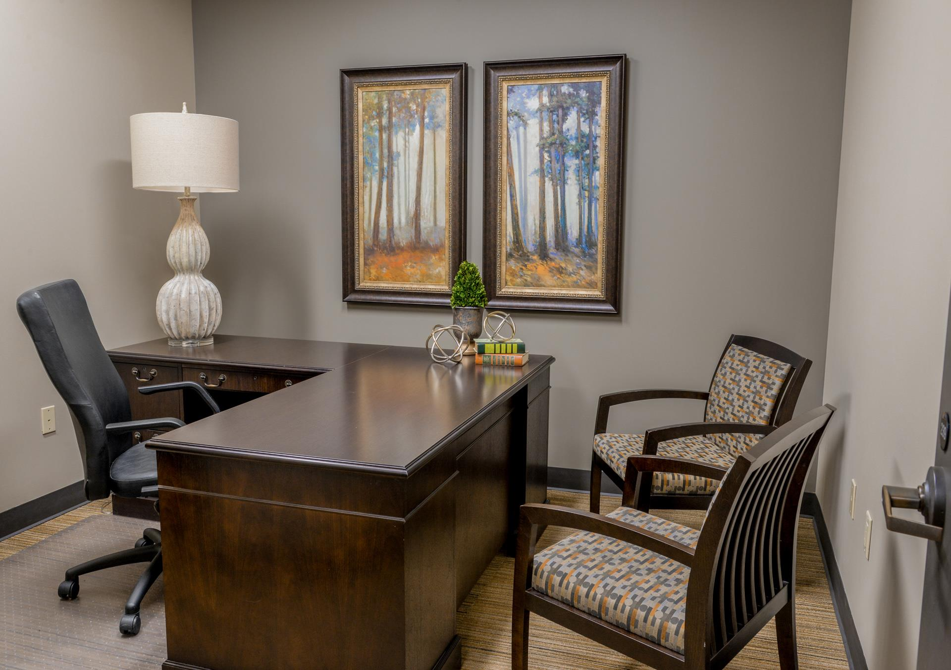 The Woodlands Office Suites - Suite #239 - Small Interior L-Desk