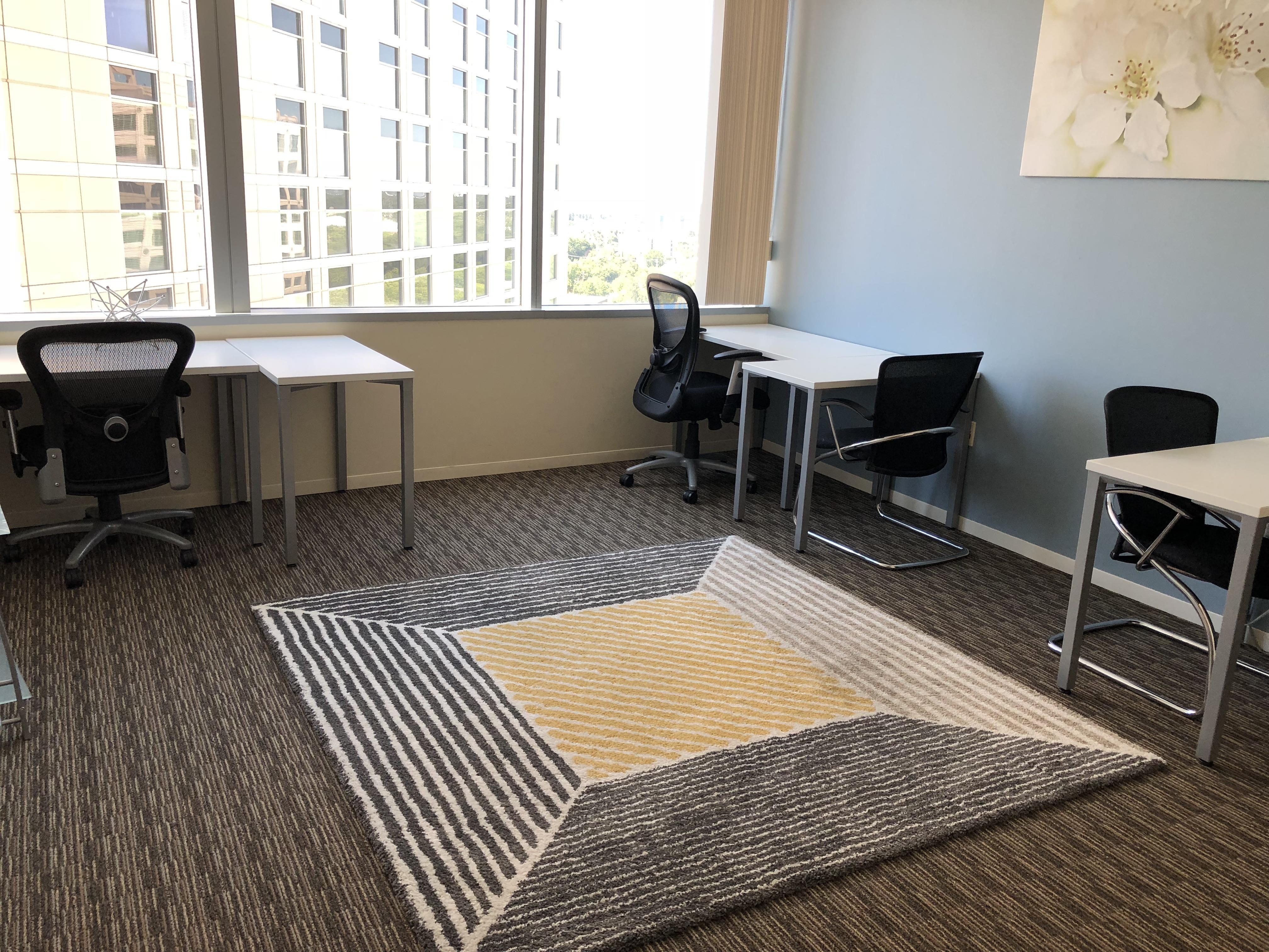 Regus | Esquire Plaza - Office 1702