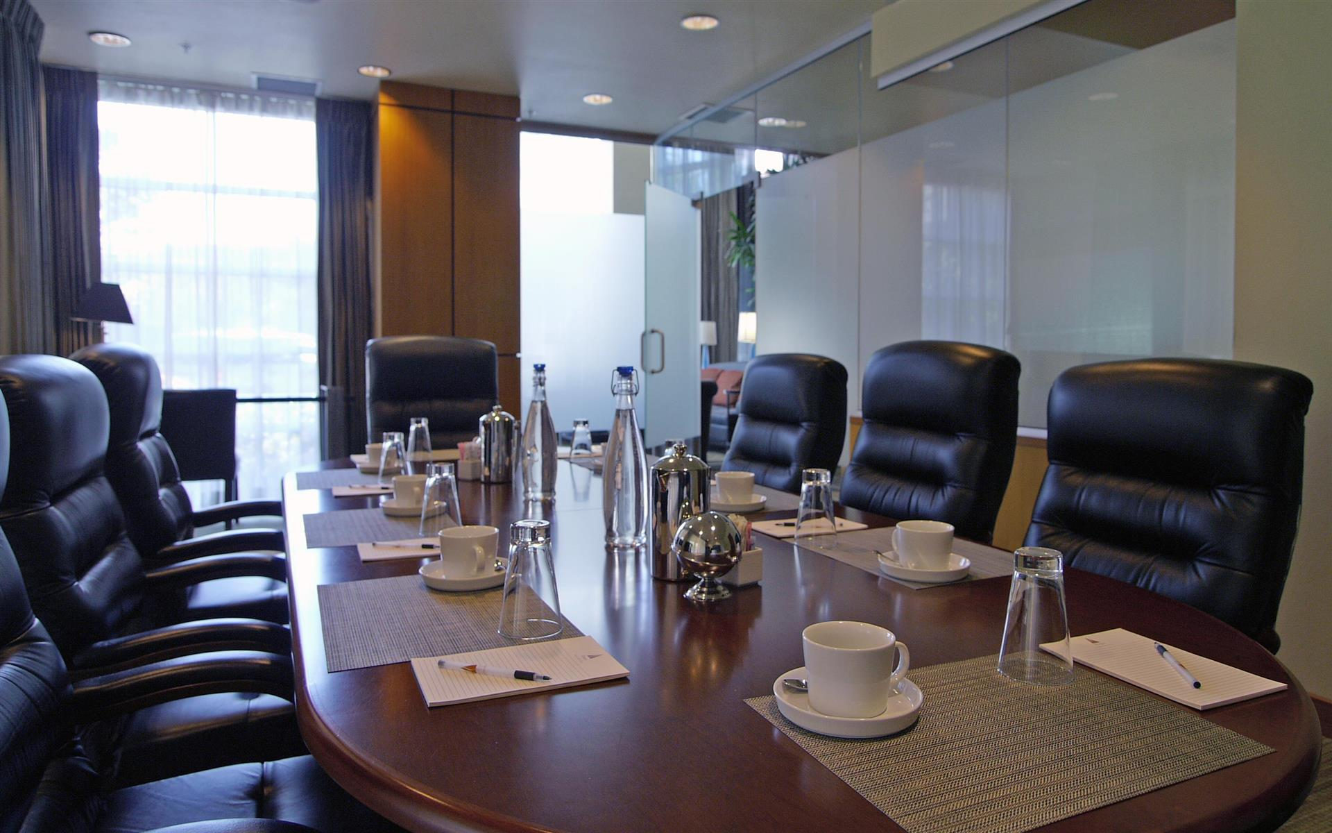 River's Edge Hotel & Spa - Boardroom on the River