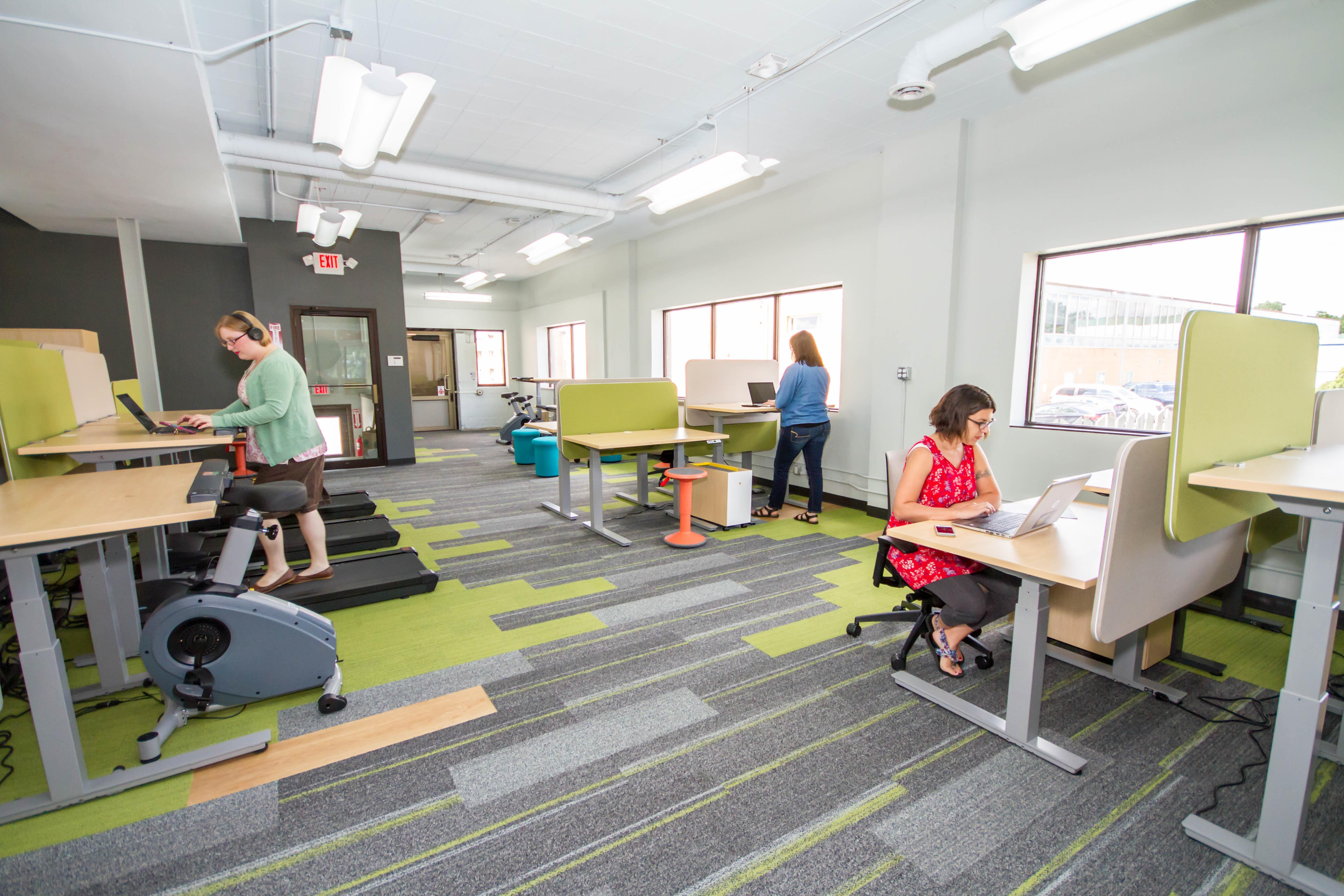 Work it Coworking - Desk @ Fitness integrated coworking
