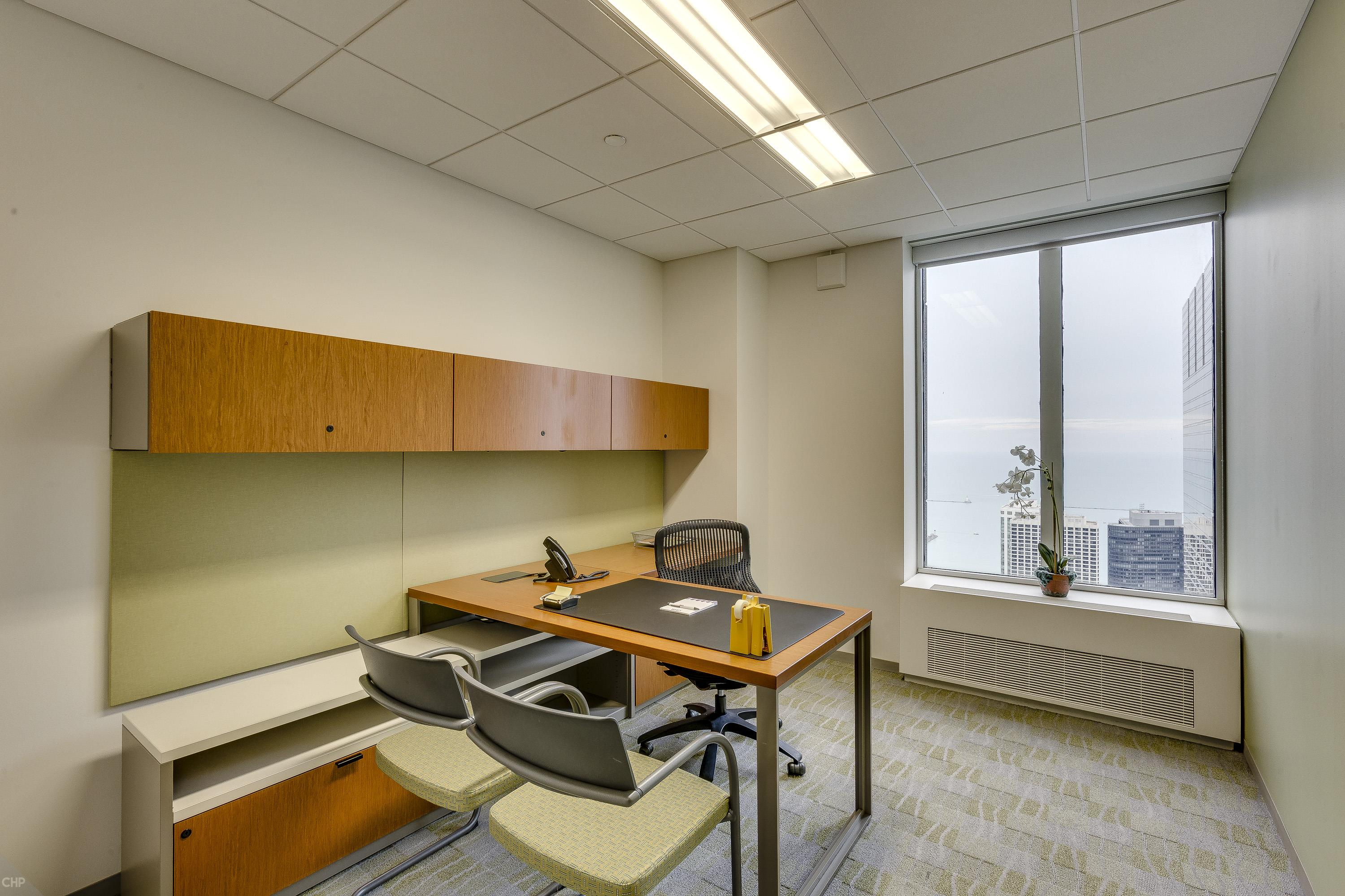 Carr Workplaces - Aon Center - Private Exterior Office for 1 Person