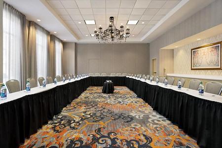 Hilton Garden Inn New Orleans Convention Center - Magnolia Room