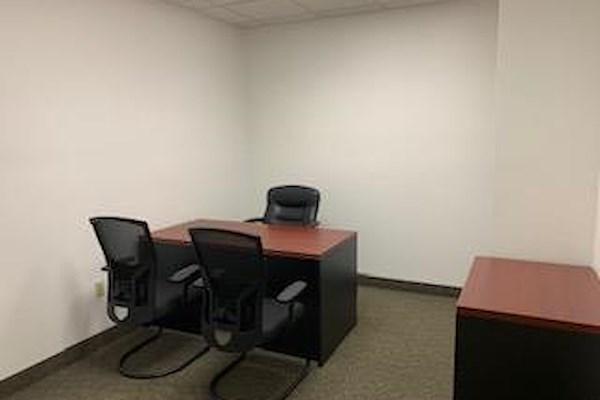 Crown Center Executive Suites (CCESuites) - 326 Interior Office