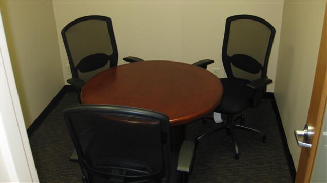 Thomas G. Oakes Associates, LLC - TGOakes - Small Meeting Room