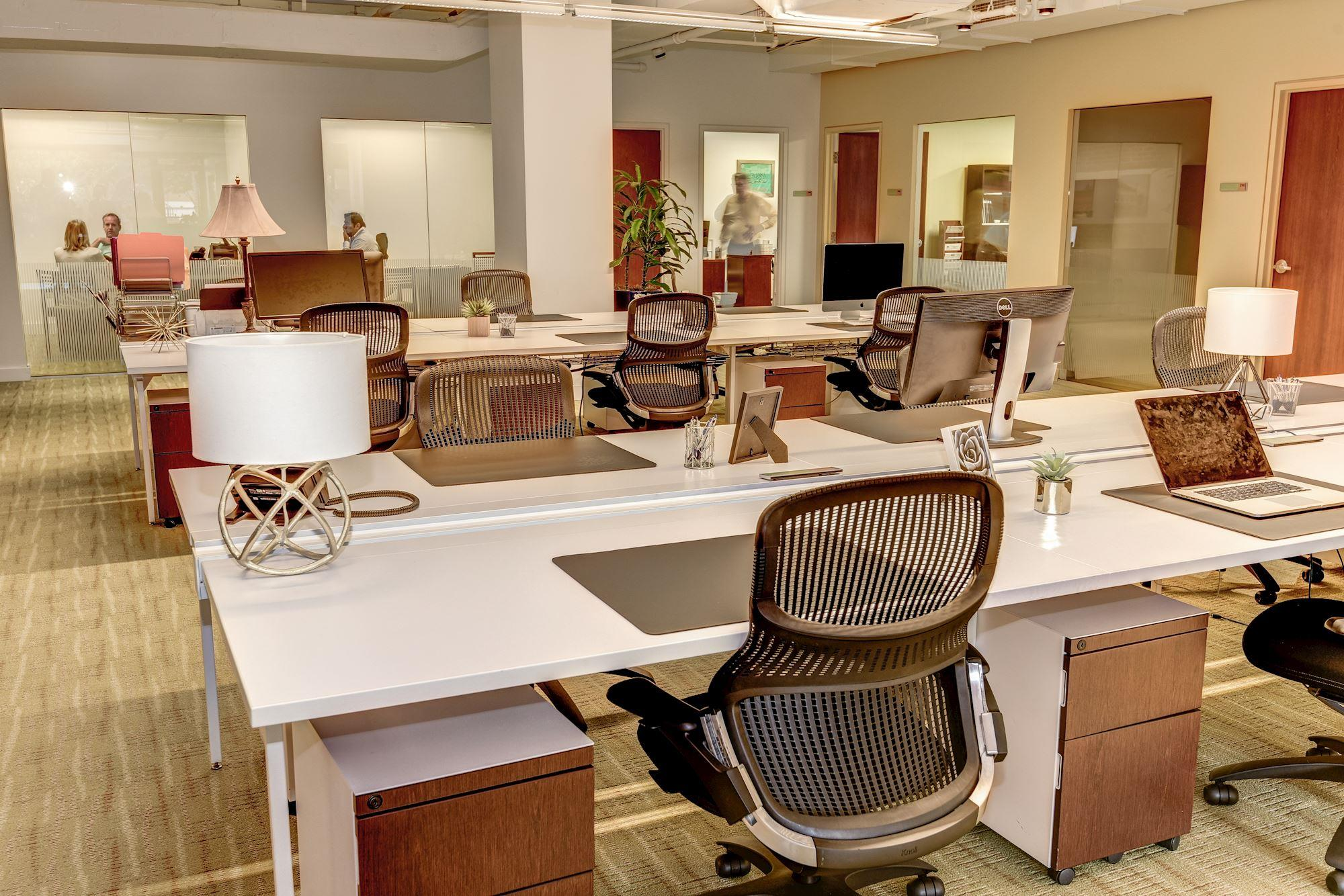 Carr Workplaces - Georgetown - Day Pass Desk