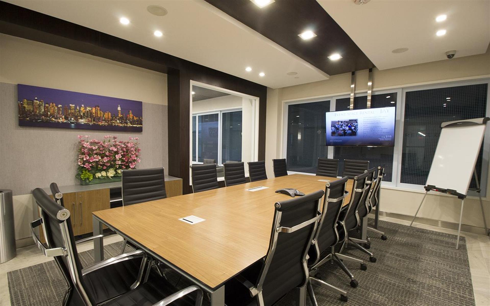 Jay Suites Madison Avenue - 3rd Floor Meeting Room Weekends