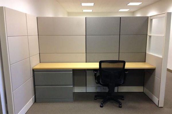 Raven Office Centers - 388 Market - Hot Desk