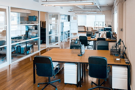 Amazing Creative Coworking Space with Plenty Amenities - Open Desk 1