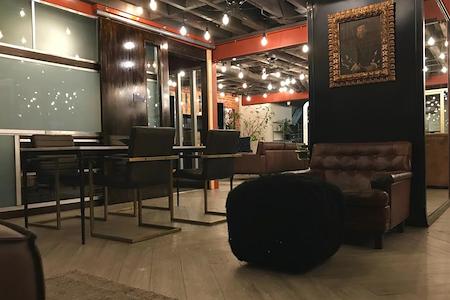 FOCUS Innovation Studio - Hot Seat Desk