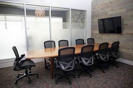 1701 - Virginia Beach Coworking, Meeting & Event Space - Roanoke Island Conference Room