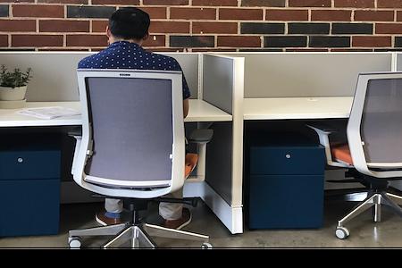 3411 Coworking - Quiet Desk