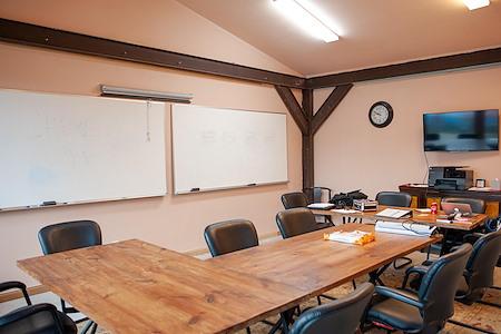 Sententia Vera Cultural Hub - Private Office for Team