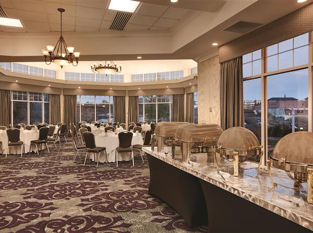 Private Meeting Room for 140 at Hilton Garden Inn Auburn Riverwatch ...