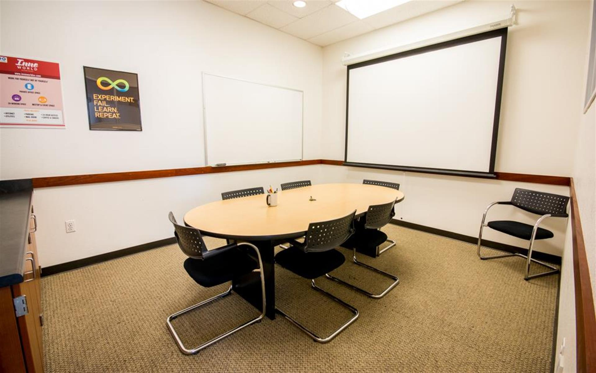 Innoworld - SUMMER SPECIAL Meeting Room - Shasta