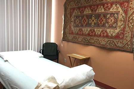 Mission Valley Acupuncture Clinic - Treatment room #1