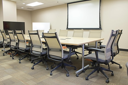 Avanti Workspace - Broadway Media Center - Large Boardroom (Exterior)