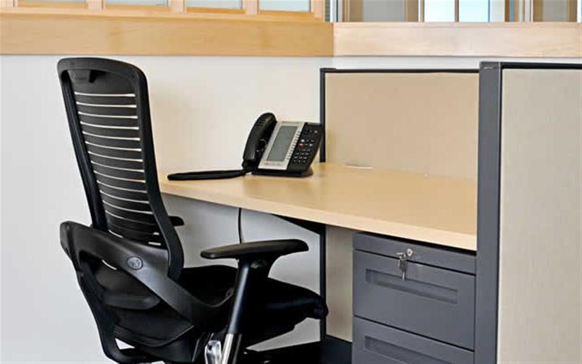 Intelligent Office Uniondale - Fully-furnished open desk