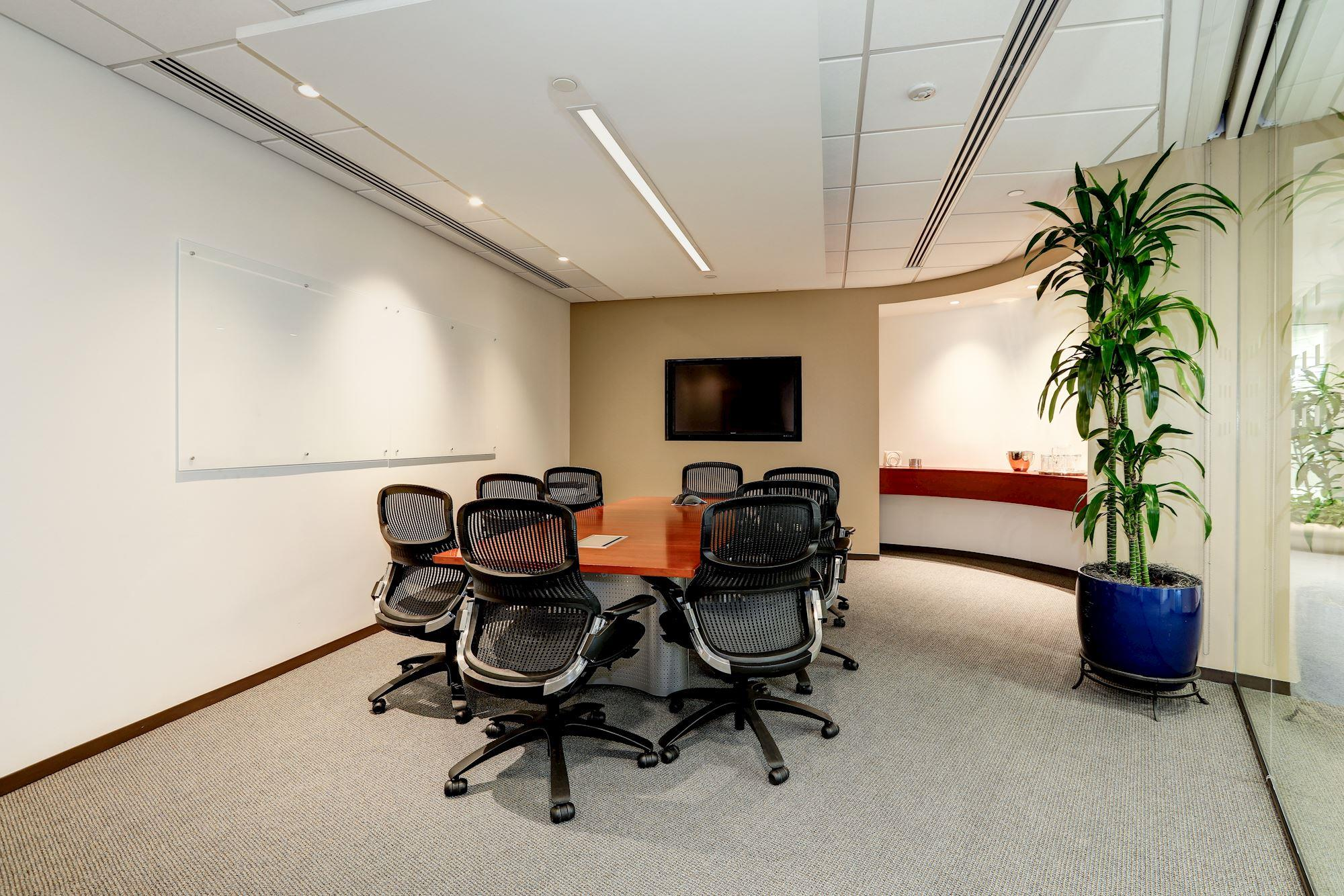 Carr Workplaces - Pennsylvania Avenue - Old Executive Conference Room