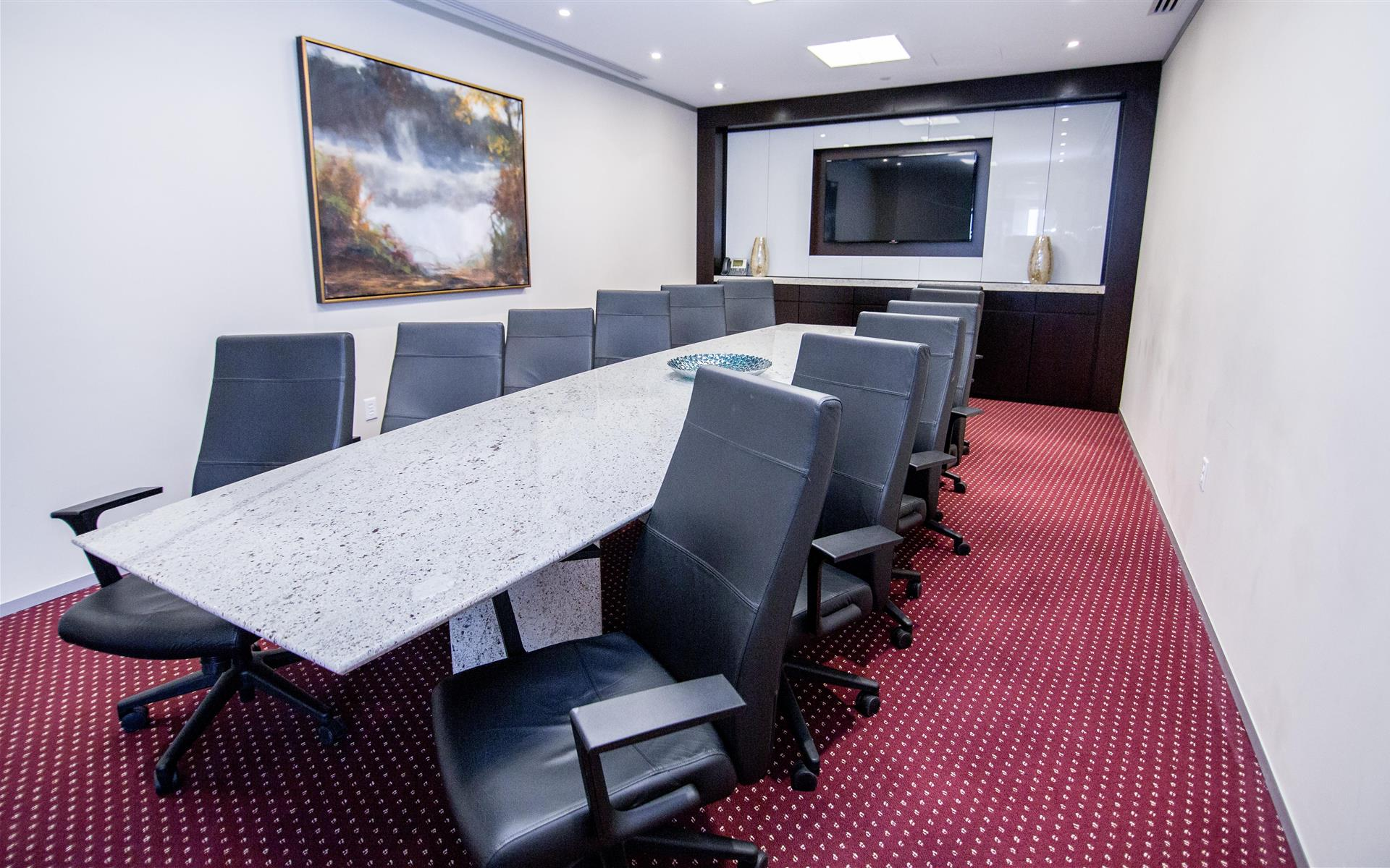 Servcorp - Boston One International Place - Executive Boardroom 14 people