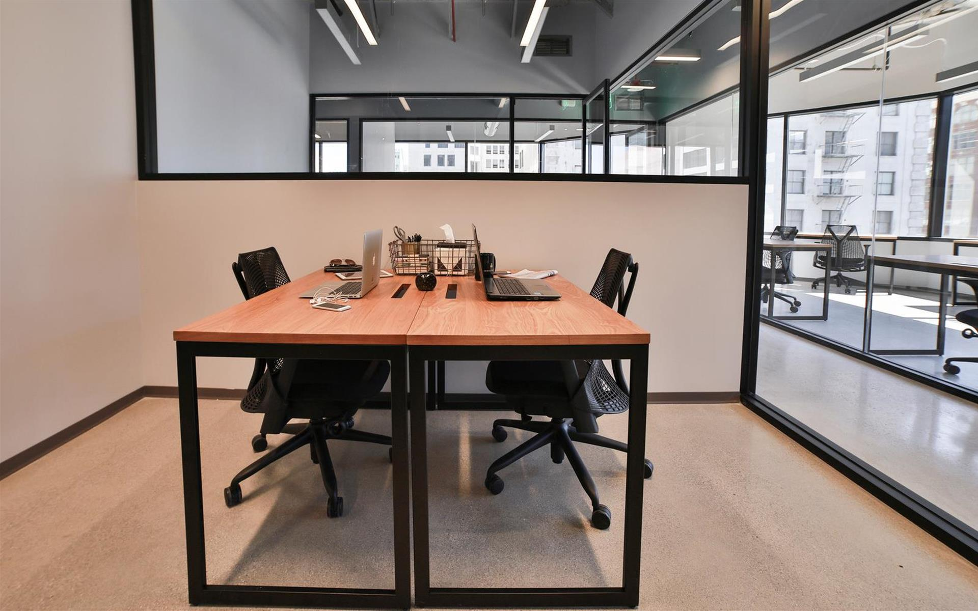 Industrious | Downtown Los Angeles   2 Desk Office Starting At $995+