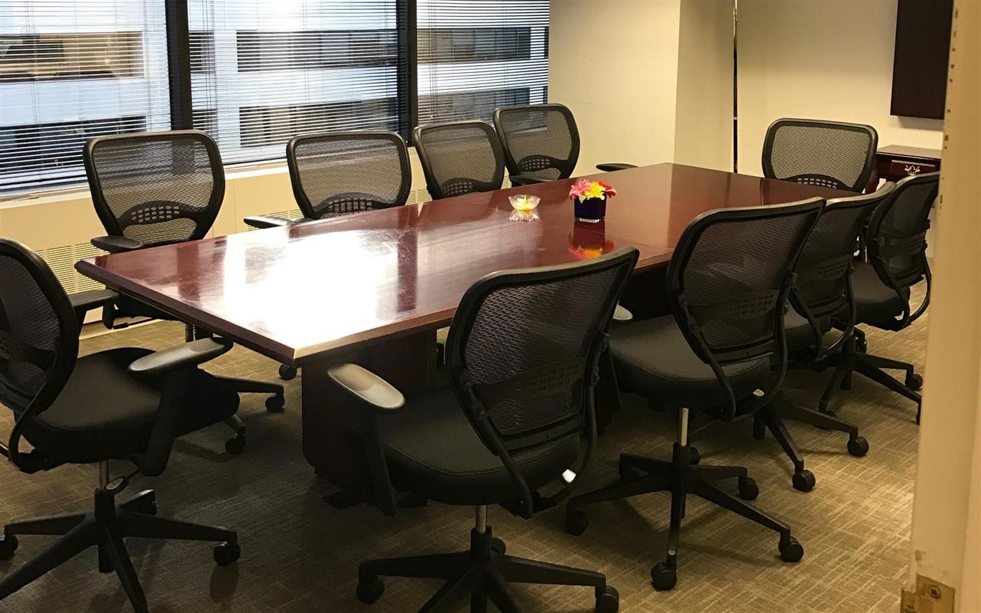 Source Office Suites - Farragut Square - Executive Boardroom