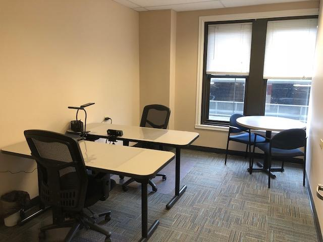BusinessWise (Law & Finance Building) - Team Suite for Two