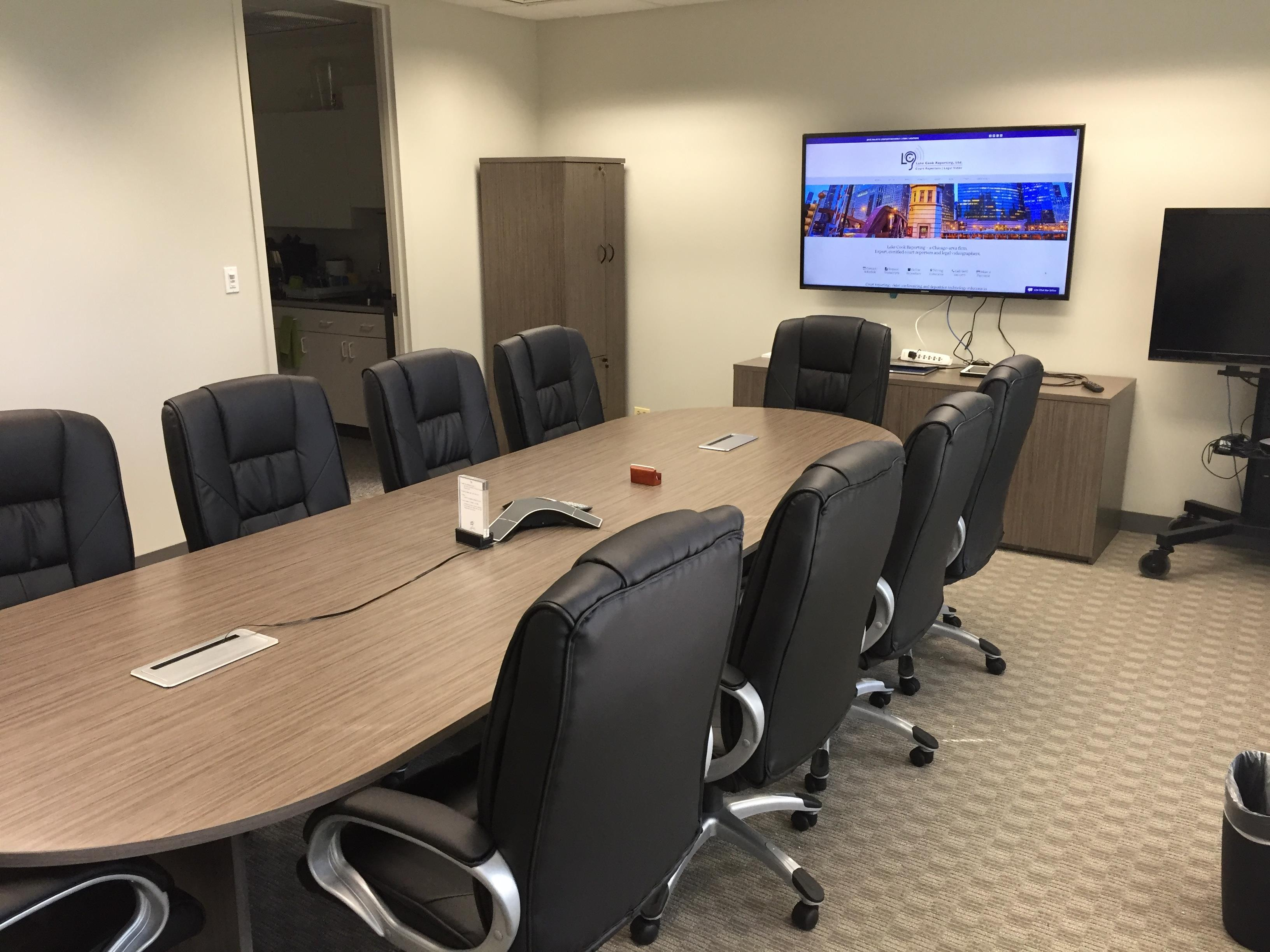 Lake Cook Reporting - 10-Person Conference Room